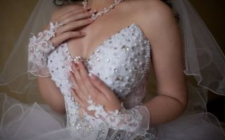 Кто должен покупать свадебное платье — жених или невеста
